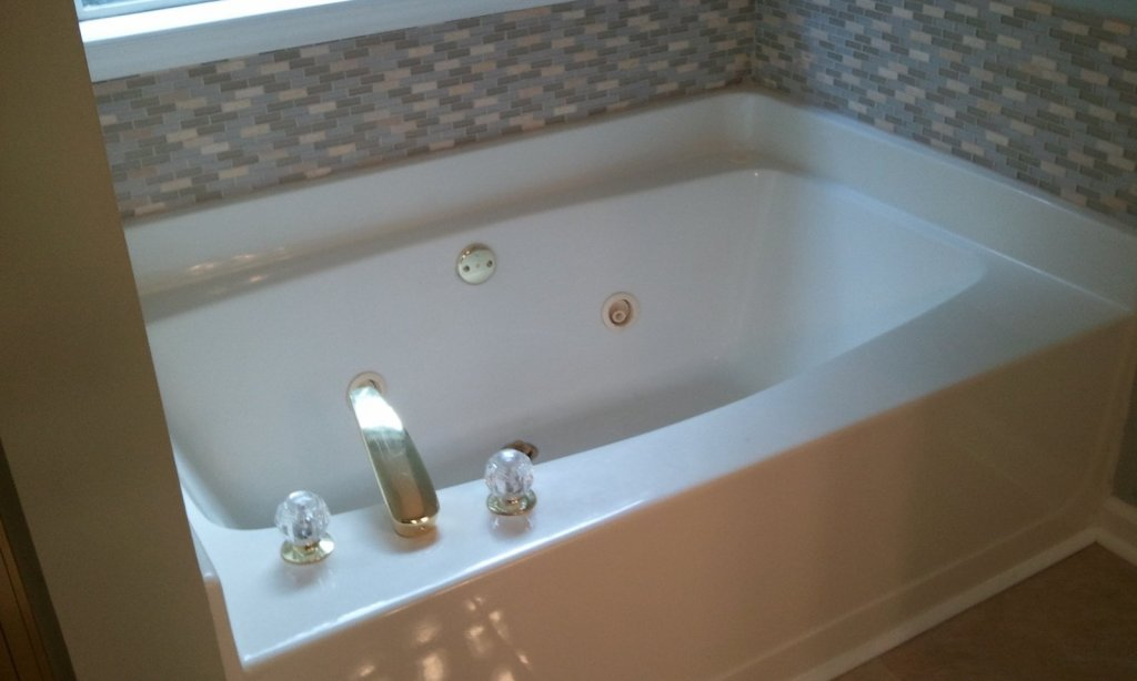 Jetted Bath Tub